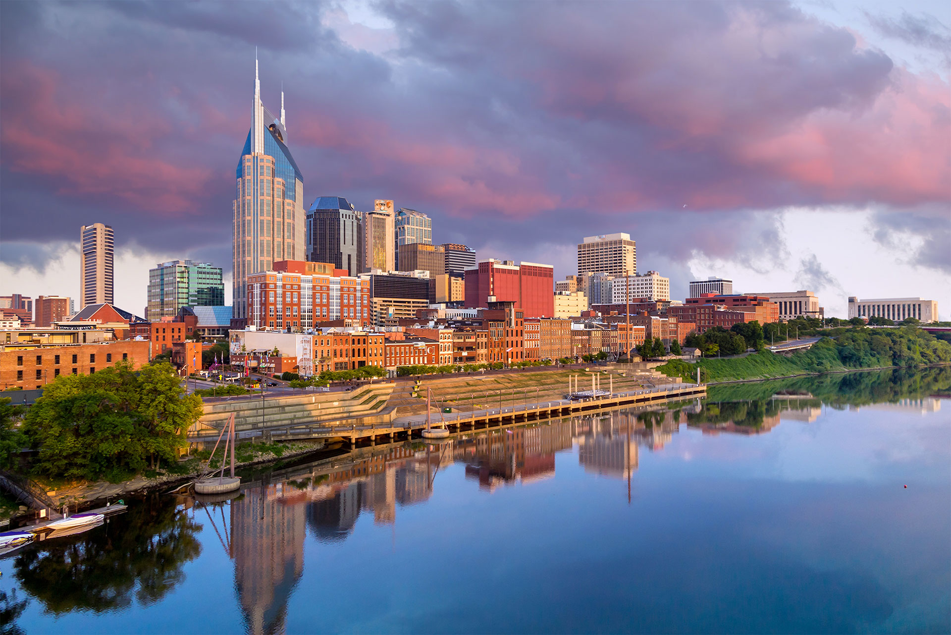 nashville-tennessee-downtown-skyline-cumberland-river